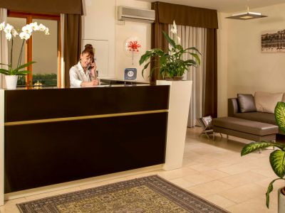 hotels-in-maremma-hotel-corallo-albinia-grosseto-reception-4012
